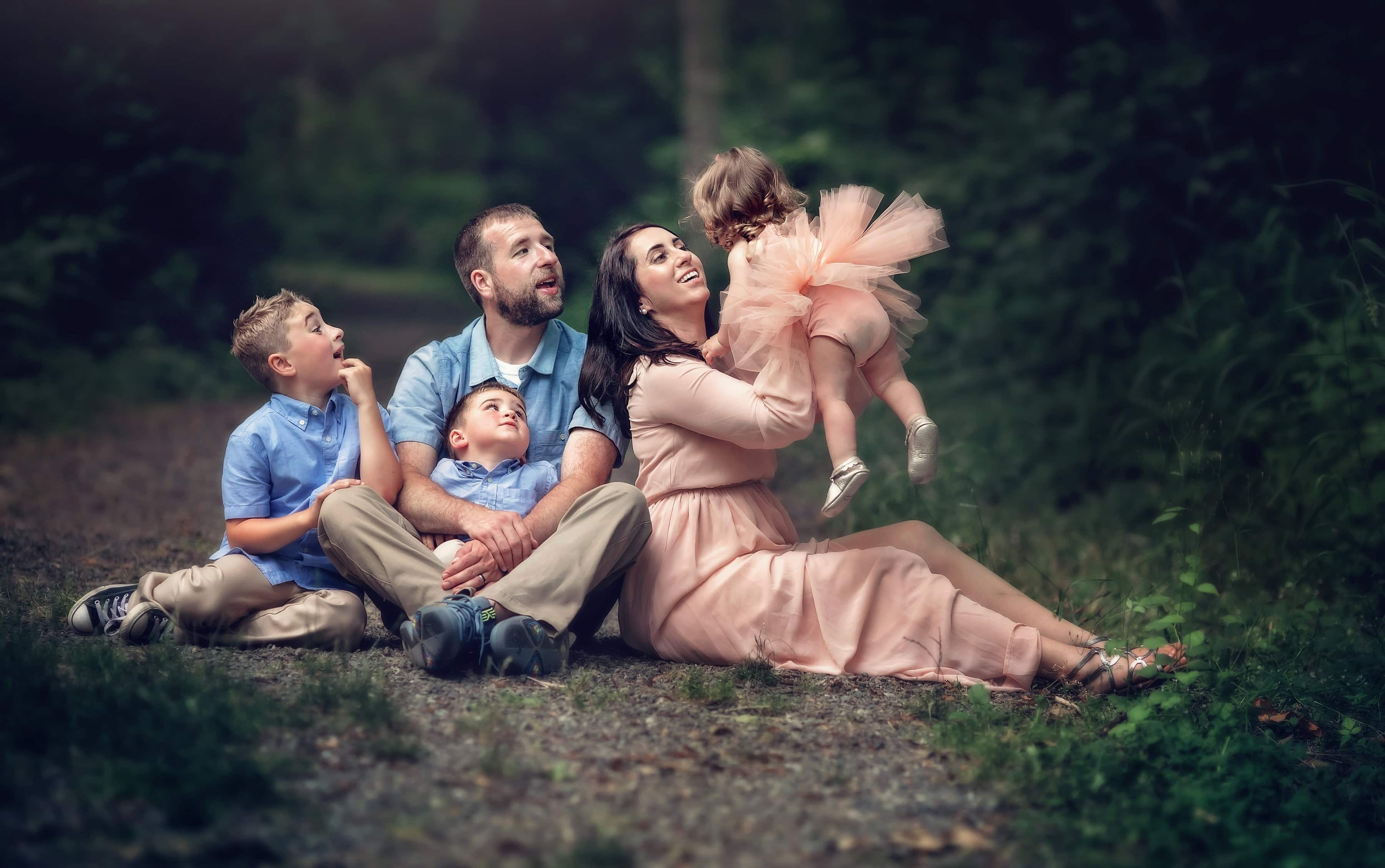 Photographing Life & Love | Ashley Grimes Photography | Ashley and her whole family