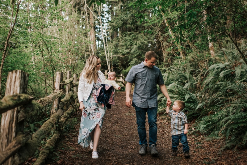 Family Photography, Family walking in the forest