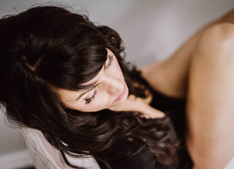 Boudoir Photography - Boudoir Photographer - Close up of woman in chair