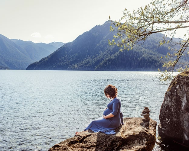 Maternity Photography - Ashley Grimes Photography - Pregnant Woman at a mountain lake